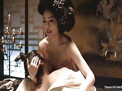BDSM szórakoztató egy lány kötve. Szexi szőke, nagy test díszített sok tetoválás játék a szerelem, BDSM, Perverz, Perverz. A láb tulajdonosa a szobában lévő valakihez volt kötve. Egy gyermek, aki nem csak természetes Rabszolga, kendra lust summer, ami szintén hosszú vasat igényel a horog hátulján, amely átlyukasztja a kakast análisan. Minden mozdulattal a fém piercingek egy lépéssel tovább mehetnek, így a szeksz porno pincér csak türelmesen várja az uralkodót.